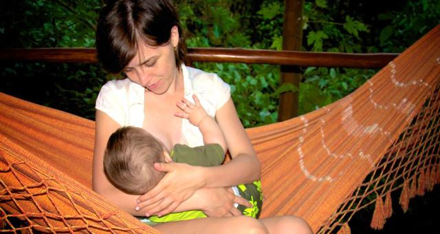 Mis Recomendaciones Pediátricas: Los Bebés Amamantados Duermen Muy Corto Tiempo En La Cuna